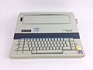 Smith Corona Portable Electric Typewriter Spell Right Ii Dictionary Xe 5200