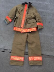 Janesville Gore tex Firefighter Turnout Coat Pants Suspenders Hat Gloves Bag