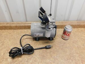 Thomas Welch 2522b 01 Vacuum Pump 115 Volts 60 Hz 3 1 A