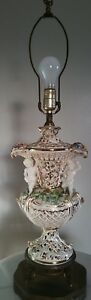 Beautiful Old Capodimonte Porcelain Lamp Gold Flowers Angels Cupids 33 Tall