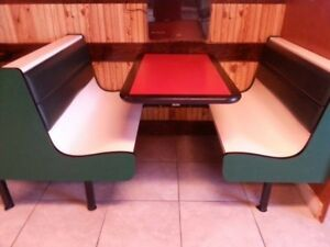 5 Tables Booths Good For Pizzeria