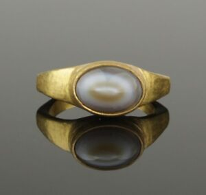 Ancient Roman Gold Ring Set With Polished Agate 2nd Century Ad 044