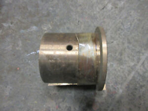 John Deere Unstyled B Early Styled B Left Main Bearing Ab320r Nos