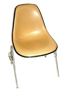 Herman Miller Leather Bucket Chair Stackable W chair to chair Interlock Legs 4