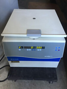 Fisher Scientific Accuspin 1 Centrifuge W Swinging Bucket Rotor 3450 Bucket