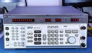 Hp Agilent 8663a Rf Synthesized Signal Generator 100 Khz To 2 56 Ghz