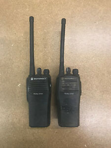 Lot Of 2 Motorola Cp200 Vhf Portable Radio Aah50kdc9aa1an 146 174mhz 4 Channels