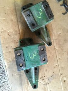 Pair John Deere Sickle Mower Mounting Brackets For Gear Box Jd 8 8w Z1385h Set 3