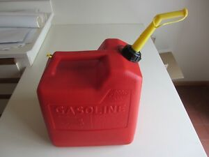 Vintage Chilton Gas Can 6 Gallon W screened Spout Vented P 60 Usa Very Nice Can