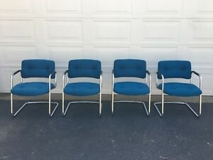 Lot Of 4 Sled Base Guest side Chairs By Steelcase Model 421