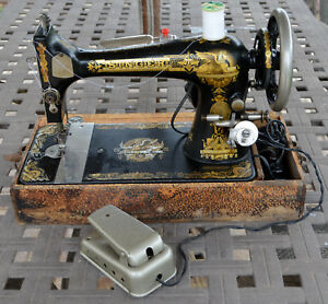 Antique Vintage 1901 Model L1028776 Singer Sphinx Sewing Machine Working Great