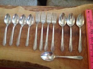 12 Pcs 1881 Rogers Aa Heavy Oneida Ltd Keswick Silverplate