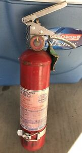 Vintage general Fire Extinguisher 1977 Model Tcp 2 1 2 G W Wall Mount Man Cave