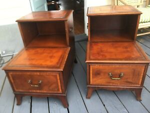 Pair Henredon Heritage Vintage Mahogany Leather Bed Side Tables