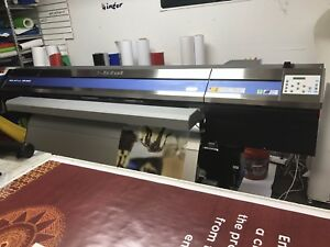 Roland Xr 640 Pro 4 Printer cutter Only 200 Hours