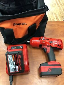 Snap on Ct8850 1 2 18v Cordless Lithium Impact Wrench 2 Batteries And Charger