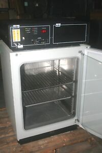 Nuaire Nu 1500 Autoflow Co2 Water Jacketed Incubator 110v 60hz 550w
