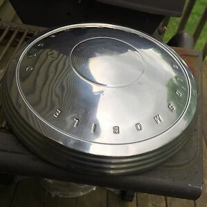 Vintage 60s 70s Oldsmobile Cutlass 10 5 Dog Dish Hubcap Free S