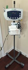 Welch Allyn 300 Series 53sto Vital Signs Monitor Nibp Spo2 Temp Iv Stand