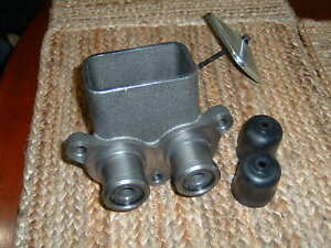 Master Cylinder Ford Tractor D3nn2140a Bendix 2227751