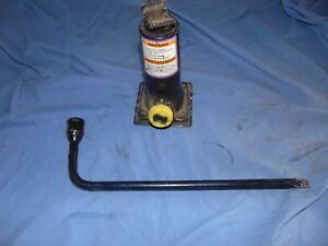 97 98 99 00 01 02 03 Ford F150 Expedition Bottle Jack Assembly And Lug Wrench