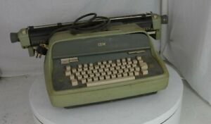 Ibm Model C Standard In Avocado Green 1961 Electric Vintage Typewriter See Notes