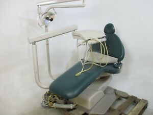 Adec 1040 Dental Patient Exam Chair W Delivery System Light