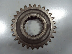 John Deere 80 820 830 Transmission R1483r Second Gear Countershaft 28 Teeth