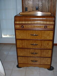 Waterfall Art Deco Antique 5 Drawer Dresser Pick Up Only In Nw Arkansas
