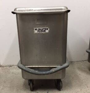 Mobile Ingredient Bin Stainless Steel Sliding Cover 4 Casters