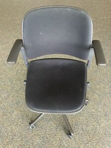 Steelcase Cachet 4871110 Ergonomic Task Office Work Chair With Swivel Base