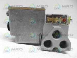 Miller 304 504 330 621a 4 10 015 Solenoid Air Valve new No Box