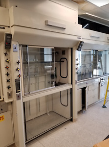 4 5 Walk in Laboratory Chemical Fume Hood W Curtain Sash Fisher Hamilton
