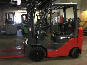2009 Toyota 5000 Pound Forklift With Side Shift And Triple Mast