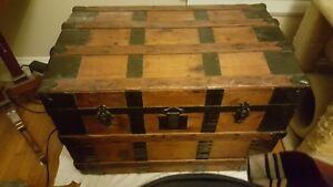Original 1800 S Antique Steamliner Trunk Excellent Condition