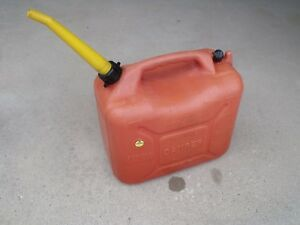 Wedco 5 8 Gallon Plastic Vented Gas Can