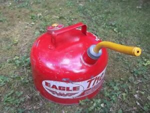 Vtg Eagle The Gasser 2 1 2 Gallon Vented Metal Gas Can With Rubber Spout