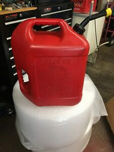 Vtg Blitz 6 Gal Red Plastic Self Venting Easy Grip Gas Can usa 50841