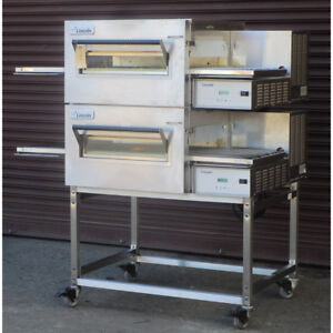 Lincoln 1133 000 u k1837 Conveyor Pizza Oven Used Very Good Condition