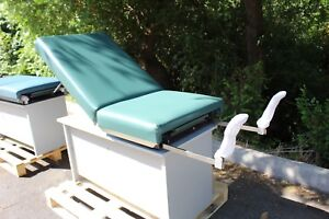 Exam Table Excellent Condition