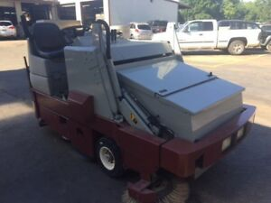 Minuteman Powerboss Model Tss 82 Sweeper scrubber