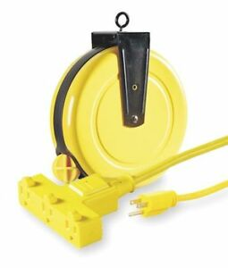 Retractable Cord Reel With 30 Ft Cord 3 outlet 14 3 Lumapro 4xp67