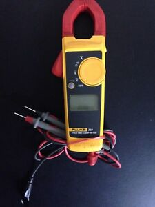 Fluke 323 True Rms Clamp Meter With Leads