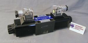 D03 Hydraulic Solenoid Valve 4 Way 3 Position Closed Center 12 Volt Dc