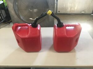 2 Blitz Red Plastic Gas Can Fuel Container 2 Gallon 8 Ozs Model 2cxg