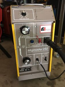 Esab Migmaster 250 Mig Welder Complete W Torch Gas regulator And Spool Gun