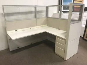 Nice Steelcase 6 x5 Office Cubicles Workstations lots Of Glass