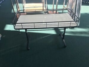 Retail Dump Table Great For Clearance Items Or Books Etc garage Sale Table