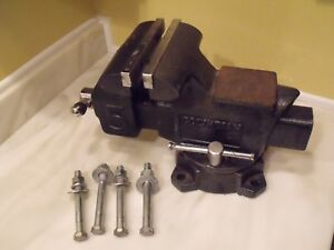 Columbian D5 Bench Vise 5 1 2 Jaw Width 5 1 2 Jaw Opening W Mounting Bolts