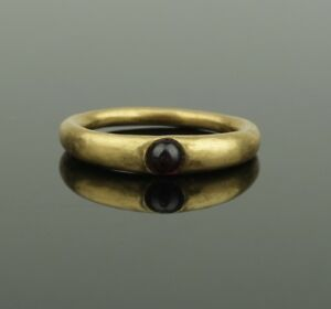 Ancient Medieval Gold Garnet Ring Circa 14th 15th Century Ad